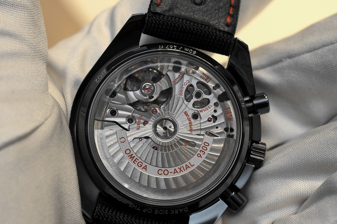 Omega-Speedmaster-Black-Ceramic-Caliber-9300