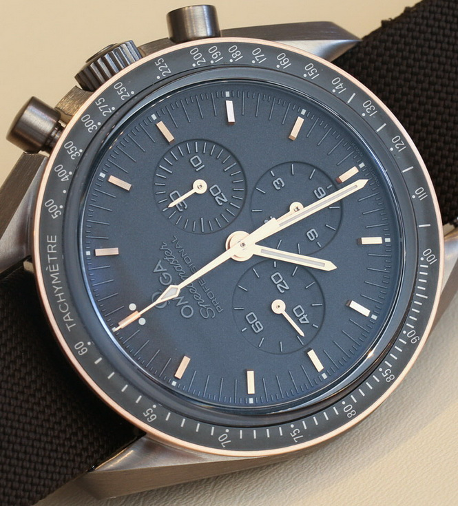 Omega-Speedmaster-Apollo-11-Moonwatch-Titanium-14